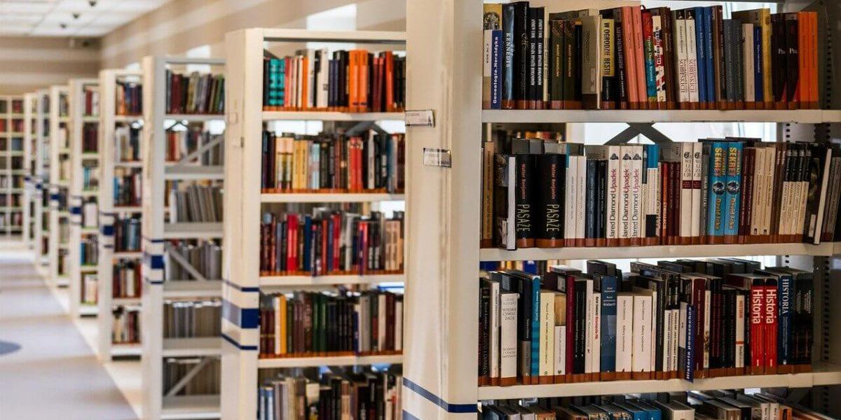 Bibliotecas cercanas de la Residencia Montepríncipe