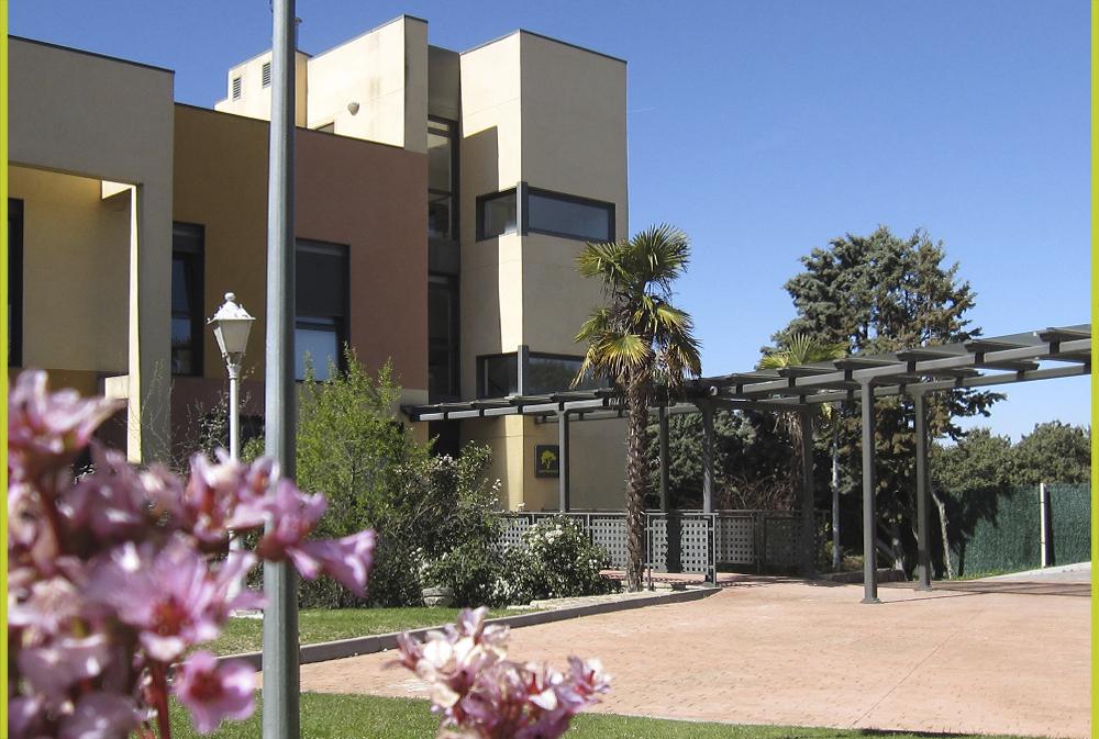 Vista del edificio de habitaciones Residencia Montepríncipe Madrid